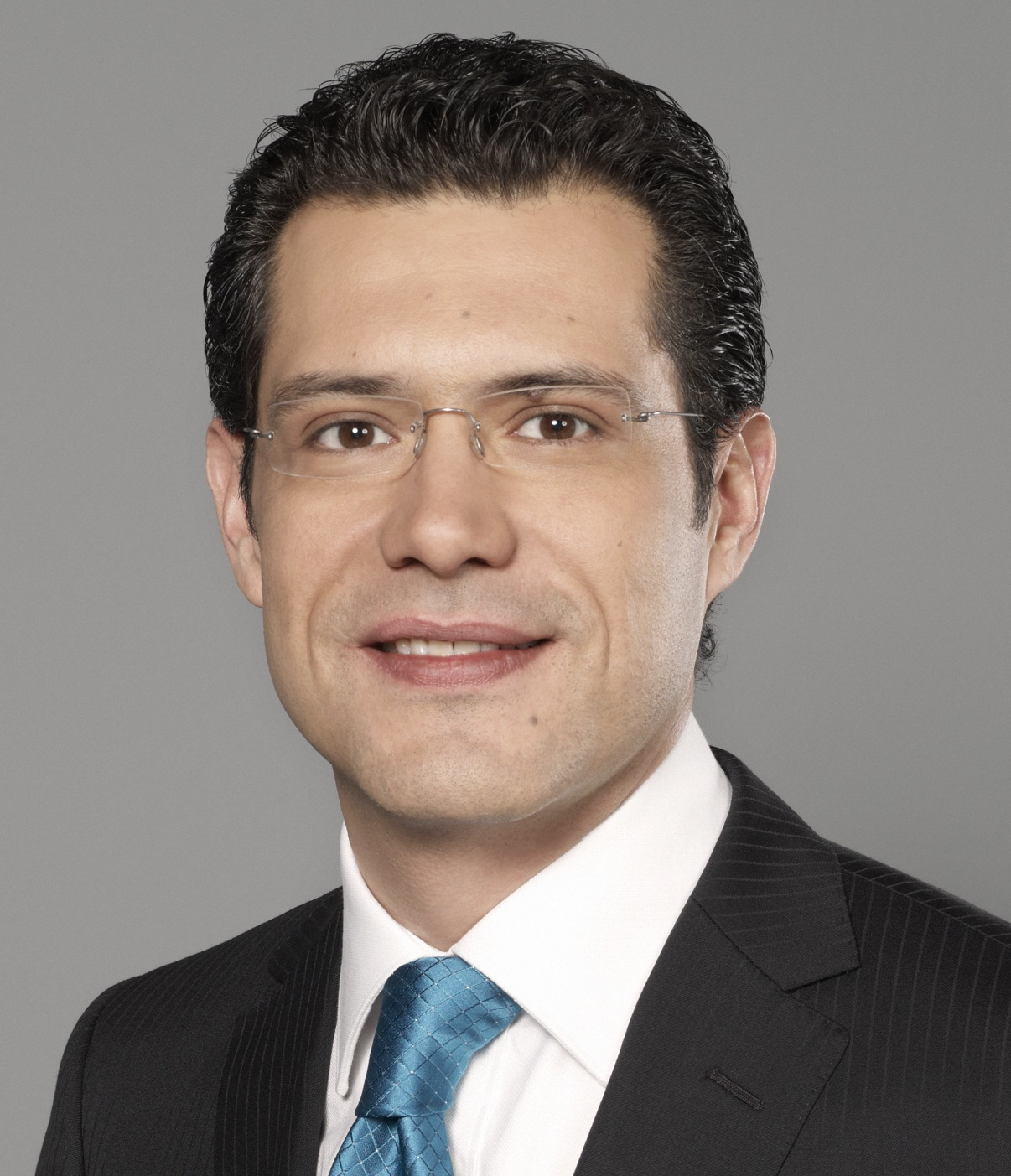 """""""México Opina"""" is CNN en Español's newest addition to its programming. Mario González will host the show which debuts next Sunday, May 15. - mario_gonzalez_cnn"""