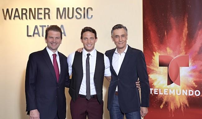 Emilio Romano, President Telemundo Media, Gabriel Coronel and Iñigo Zabala, President, Warner Music Latin America. (Photo: Alejandro Renteria/Telemundo)