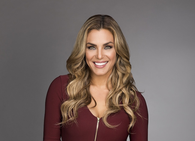 "Telemundo expands ""Titulares y Más"" to 7 days; adds Rosina Grosso as co-host"