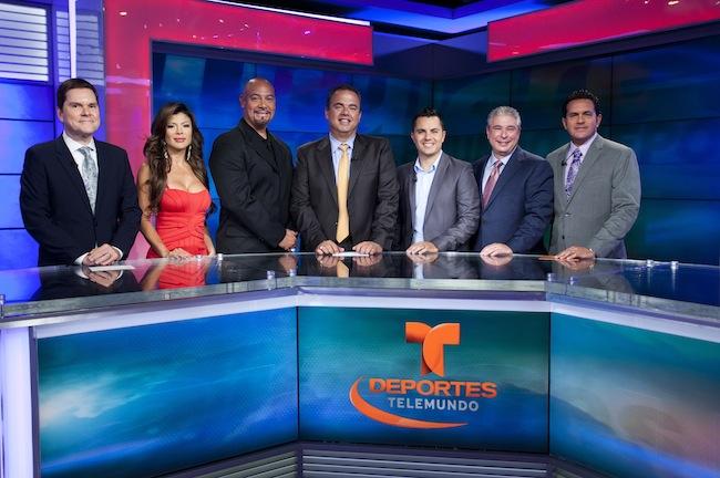Part of the Deportes Telemundo team with Jorge Hidalgo, EVP of Telemundo (center).