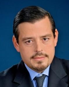 Nicolas J Valls