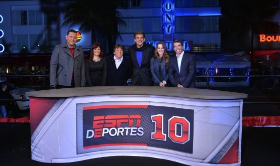 From L to R: Miguel Cabrera, Adriana Monsalve, Miguel Herrera, David Faitelson, Kate del Castillo and Pavel Pardo during the 10 year anniversary celebration in Miami.