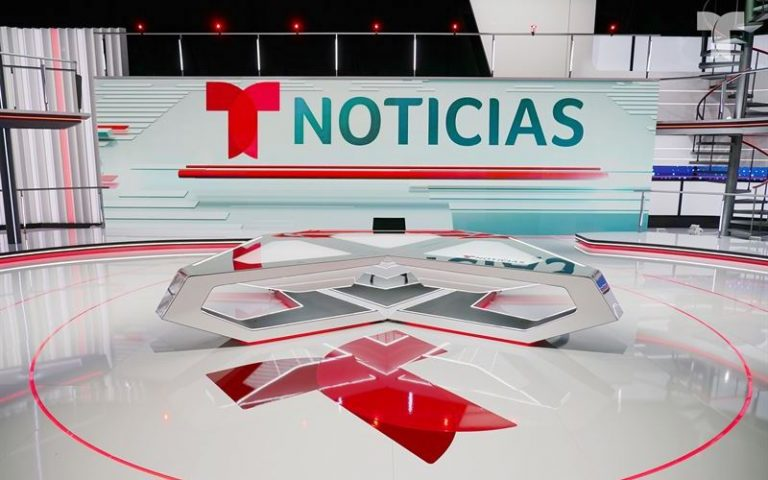 Noticias Telemundo set